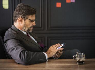Was hilft bei Smartphonesucht am Arbeitsplatz?