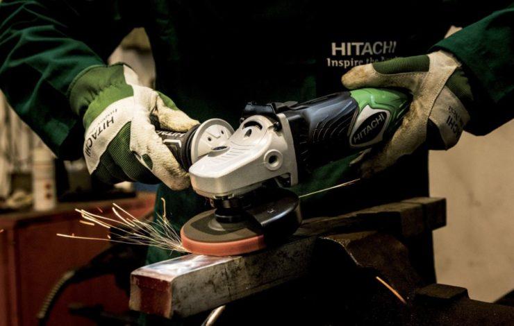 Schutzhandschuh ist nicht gleich Schutzhandschuh. Leder-, Gummi- und Kunststoffhandschuhe kommen in ganz unterschiedlichen Bereichen zum Einsatz.
