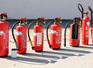 Feuerlöscher am Arbeitsplatz: Das sollten Arbeitgeber wissen